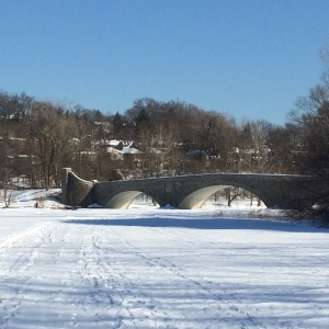 Bridge over the Humber River in winter
